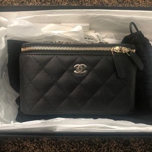 💕Authentic Chanel small vanity case NWT💕
